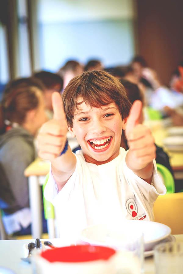bambino sorride scuola primaria Canossiane Legnago Scuola certificata ISO 9001
